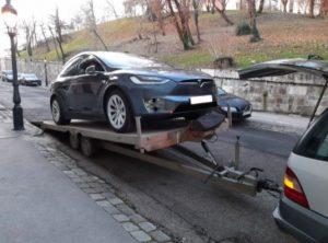 Tesla autószállítás